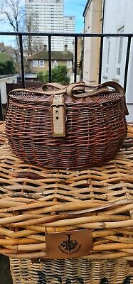 Wicker Basket Fishing Creel With Strap • 10£