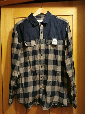 ** Aqua Products Navy And Grey Chequered Shirt Size Large ** Carp Fishing • 8.50£