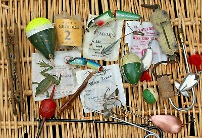 Job Lot Of Vintage Pike Fishing Tackle;Floats,leads,traces, Lures, Mounts Etc • 10£