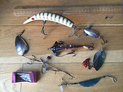Group Of Old Vintage Fishing Lures. • 15.99£