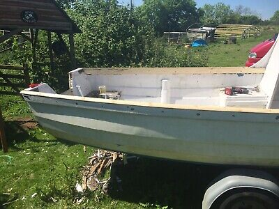 16ft Fishing Boat. 16ft With Trailer. Needs A Lick Of Paint And A Tidy Up.  • 310£