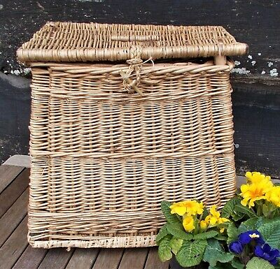 Vintage Fishing Creel, Basket, Decorative Basket, Newspaper Holder, • 28£