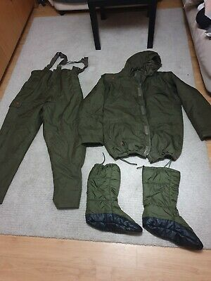Trakker Bib And Brace Winter Suit Size XXL.  Great Condition • 50£