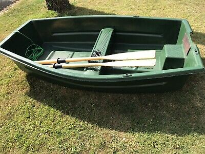 Rowing Boat Fishing Dinghy With Oars • 155£