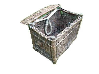 1960s Vintage Fishing Basket • 19.99£