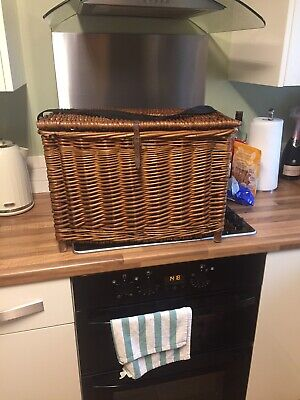 Wicker Fishing  Basket • 30£