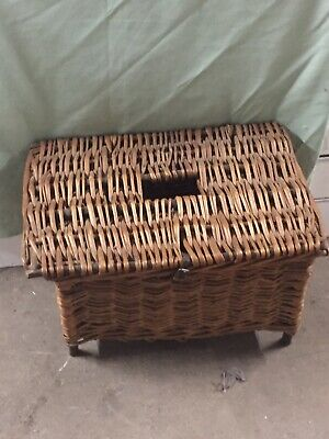 1960s Vintage Fishing Basket • 6.99£