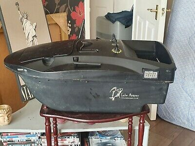 Lake Reaper Bait Boat  GOOD CONDITION  With Lucky Fish Finder And Carry Bags  • 290£