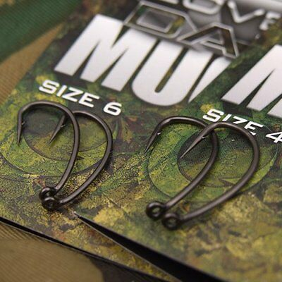 Gardner Tackle NEW Covert Dark Mugga Carp Fishing Hooks Barbed Barbless Curve • 5.50£