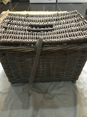 Vintage Wicker Fishing Creel - Restoration Project • 30£