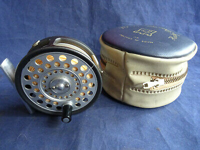 A Very Good Vintage Hardy  The Featherweight  2 7/8  Trout Fly Reel + Case +line • 219.99£