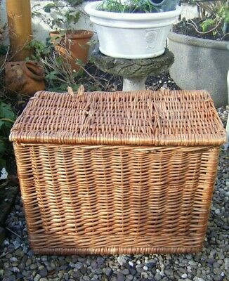 Vintage Wicker Fishing Basket  / Log Storage Basket • 24.99£