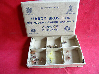 A Very Good Vintage Hardy Card Fly Box With Some Flies (pre 1937) • 29.99£