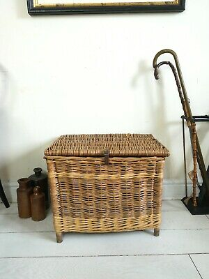 Antique Fishing Creel Large Wicker Basket Strap Leather Buckle Wooden Legs  • 80£