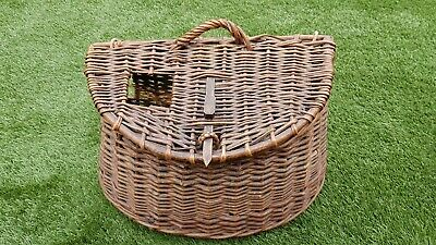 Genuine Antique Wicker Fishing Creel Excellent Condition. • 49£