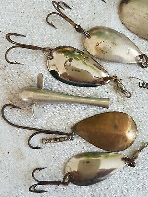 Tin Of Vintage Metal Lures,weights, Spinners And Devon Minnow . • 3.10£