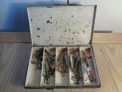 Vintage Fishing Lures In Black Japanned Tackle Box Old Pike Salmon Angling • 19.99£