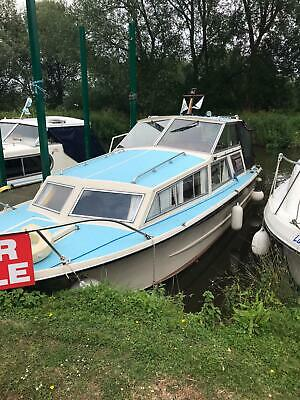 1977 Freeman 24 4 Berth Wide Beam River Cruiser Perkins 4108 Diesel Shaft Drive • 11,750£