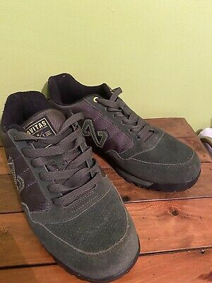 NAVITAS TRAINERS Olive Green Size 10.. Carp  • 3.20£