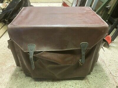 Vintage Fishing Seat Box • 10£