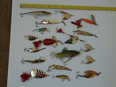 Job Lot Of Old Fishing Spinners  &  Lures. • 5£