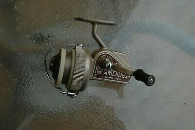 J W Young Ambidex Full Bail Casting Reel With Spare Spool And Zip Case • 35£