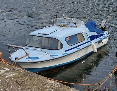 18 Ft Cabin Boat With 30hp Mariner EFI Engine Comes With Trailer Fishing Boat • 5,000£