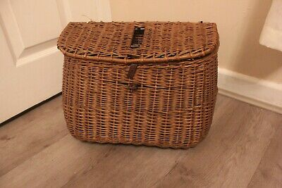 Vintage Wicker Fishing Creel Basket With Strap • 40£