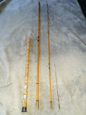 Vintage Fishing Rod • 10.50£