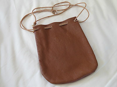 A EXCELLENT LIGHT TAN SOFT  LEATHER  POKEY REEL BAG Will Hold A  No2 • 19.95£