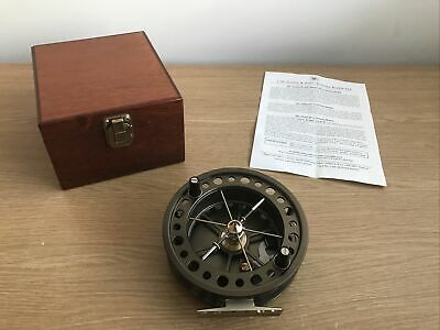 J W Young Purist 2 2051CL Centre Pin Trotting Reel And Wooden Box • 200£