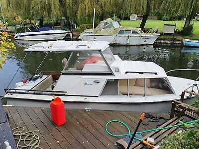 1981 Birchwood Cabin Cruiser • 3,800£