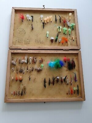 Vintage Wooden Fly Fishing Box With An Assortment Of Flies • 5£