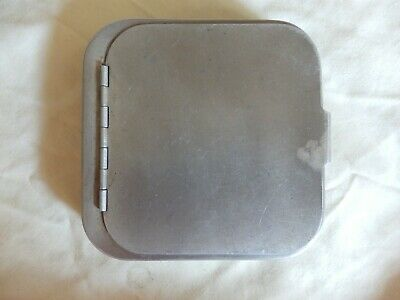 Vintage Wheatley Clipped Fly Box With Cast Compartment & Flies 4 1/2  X 4 1/2  • 34.99£