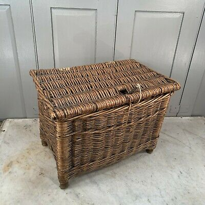 Vintage Wicker Fishing Basket • 50£