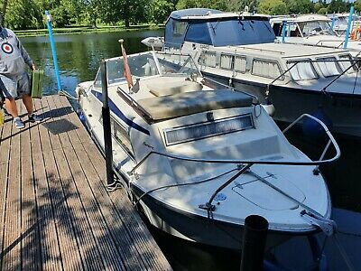 21ft Cruiser Boat (mooring And River Licence Included) • 4,750£