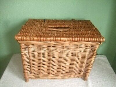 Vintage Wicker Fishing Basket  • 9.99£